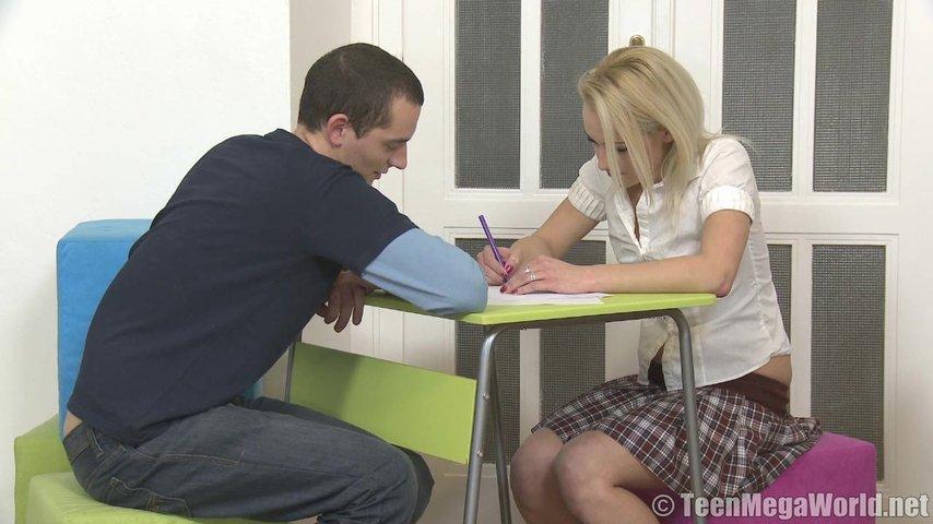 Порно онлайн помог с уроками