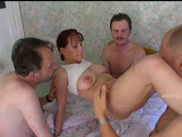 Порно трое парней и девушка