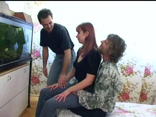 pozhilie-podrugi-trahnuli-muzhika-foto-ne-razdolbannie-vagini-foto