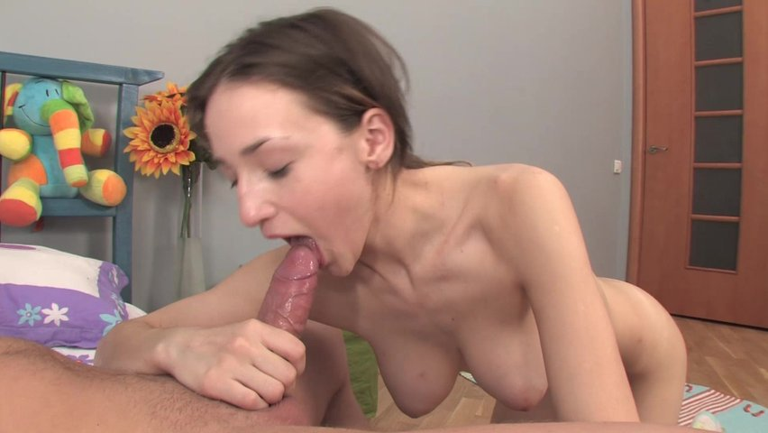 Красивый горловой минет порно онлайн