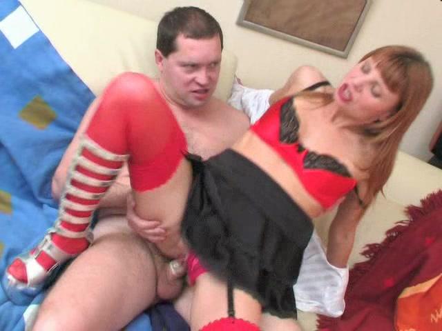Секс видео на коленях
