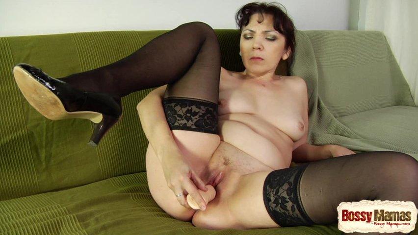 Порно онлайн зрелая мадам