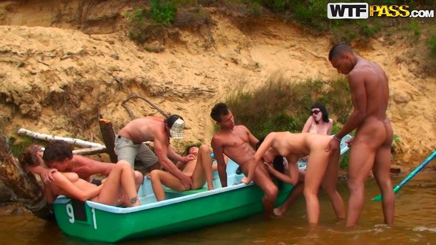 Порно русские студенты на озере — photo 9