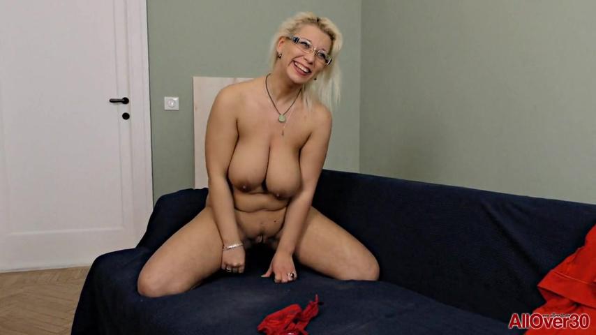 Порно с 30 летними домохозяйками