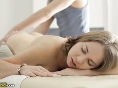 Порноролики онлайн наглый массажист