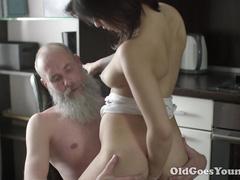 Пожилые мужчины случайные связи порно — img 1