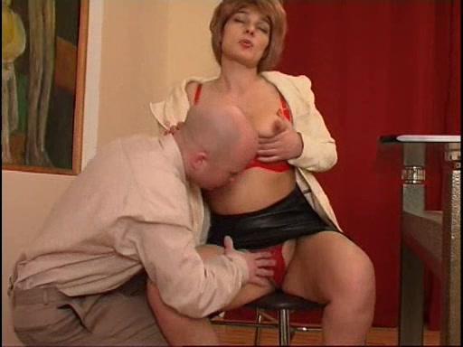 Порно порно видео в кабинете у начальницы