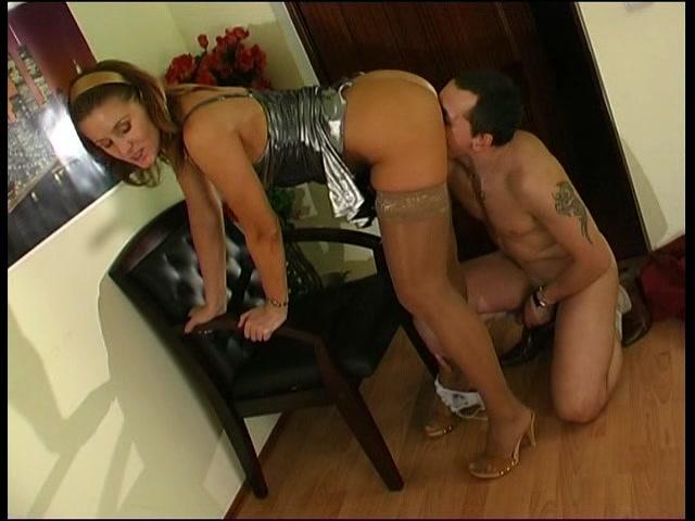 Секс в соседней комнате онлайн