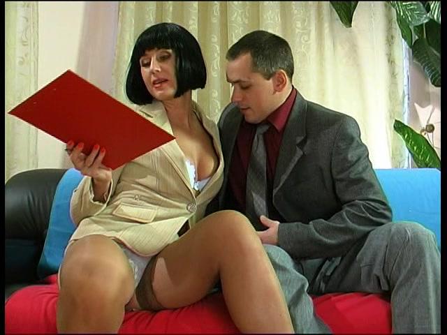 Порно игорёк зрелую соседку онлайн