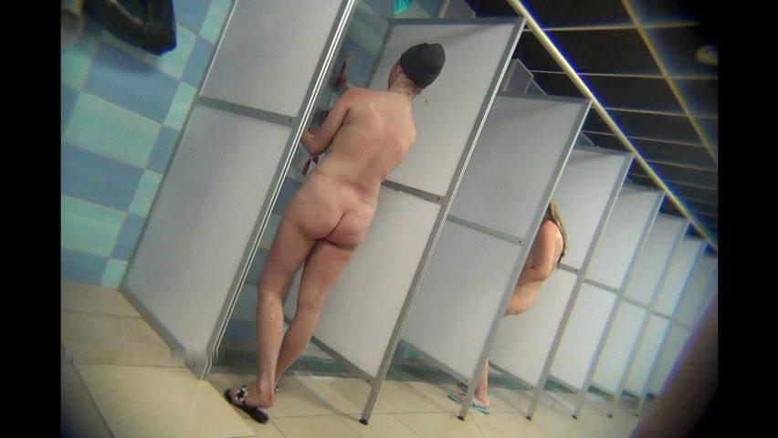В общественном душе порно, японские
