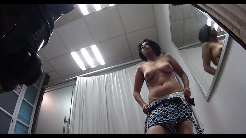 prishla-medosmotr-bolshie-siski-na-kameru-onlayn-foto-uretru