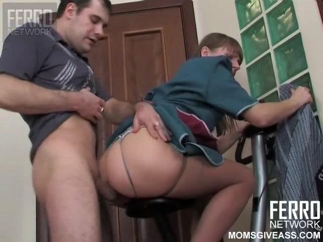 Русское порно со зрелыми горничной