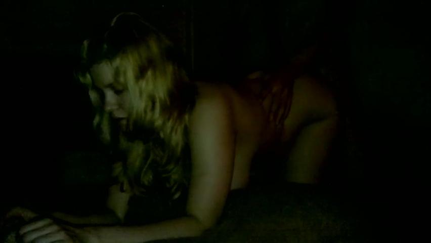 porno-roliki-seks-v-derevne-seks-v-derevne-zhenskom-tualete