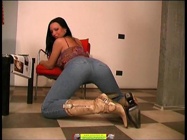 Порно видео в джинсевых штанах