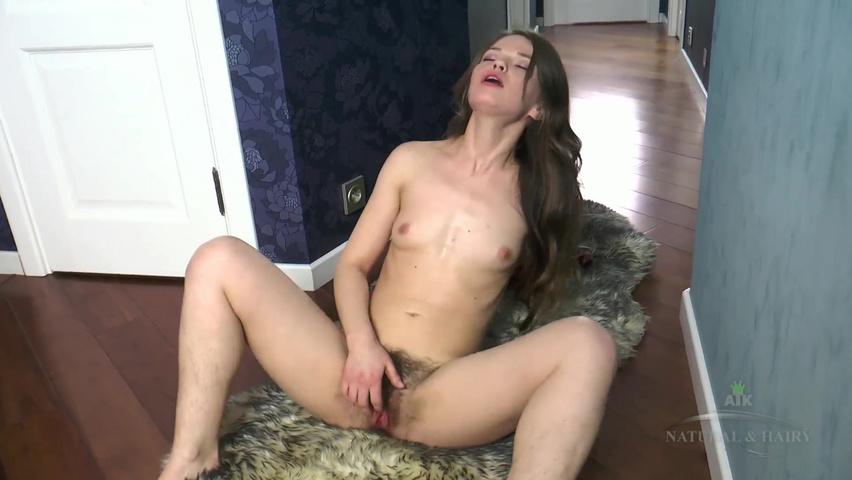 Порно hd онлайн мастурбирует