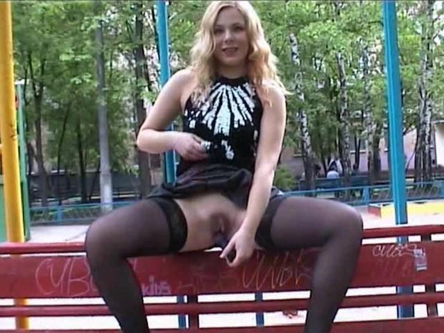 Русское порно видео во дворе