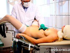 Порно связывание у гинеколога рукой
