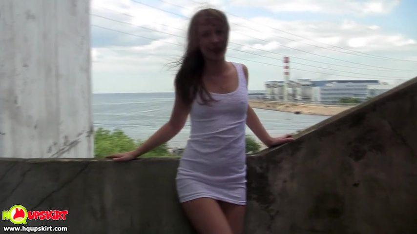В белом платье порно онлайн