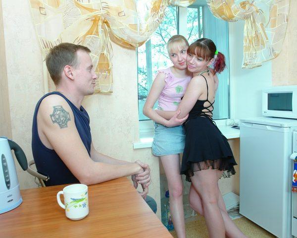 Секс с подружками русское