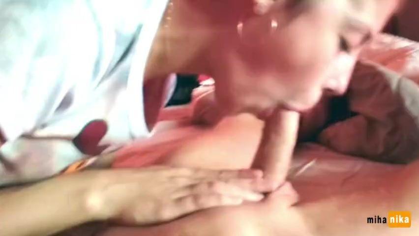 Домашнее порно онлайн уговорил отсосать