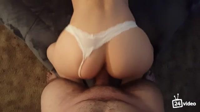 Порно онлайн в белых трусах