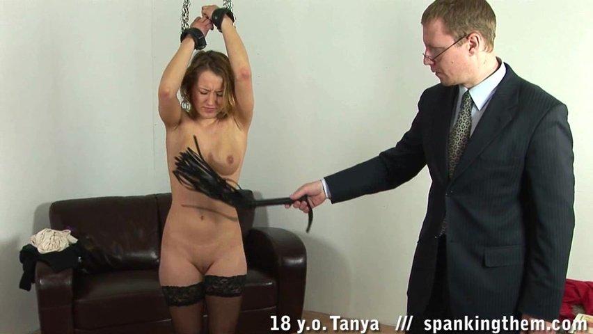 Порно видео онлайн у директора