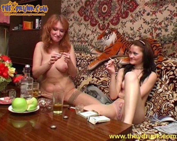 Две соседке лесби