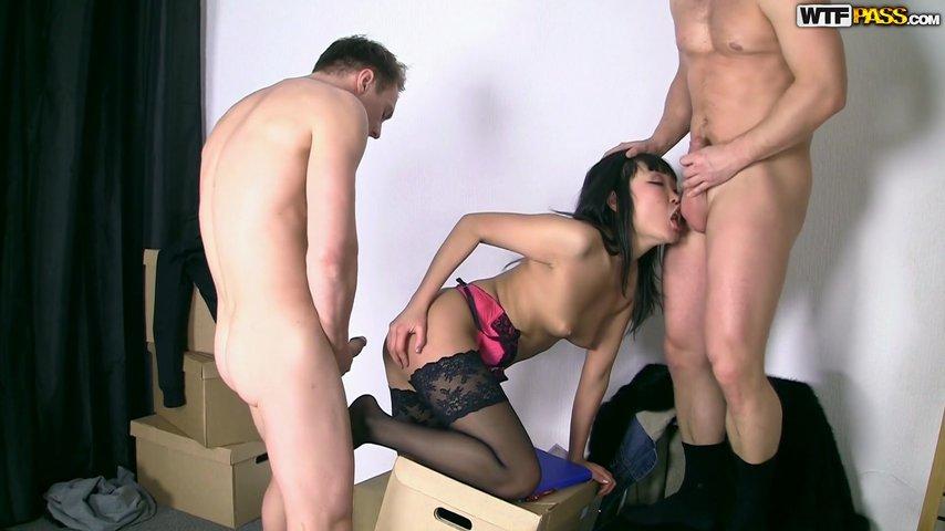 rizhskoe-pikap-porno-porno-v-armii-s-negrom