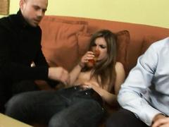 Муж наслаждается просмотром ебли жены с новыми силиконовыми сиськами с молодым соседом