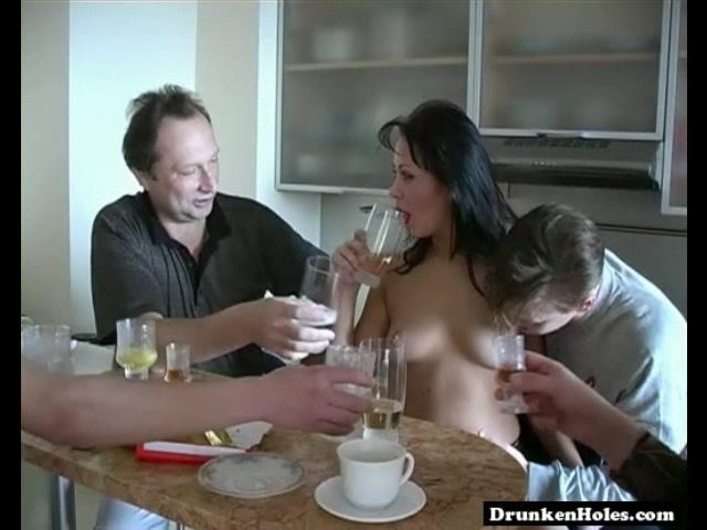 Русское порно пьяные на кухне
