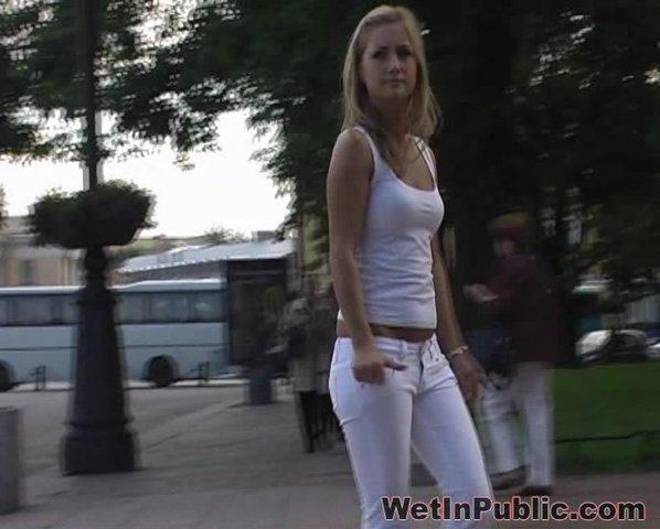 В белых штана онлайн порно