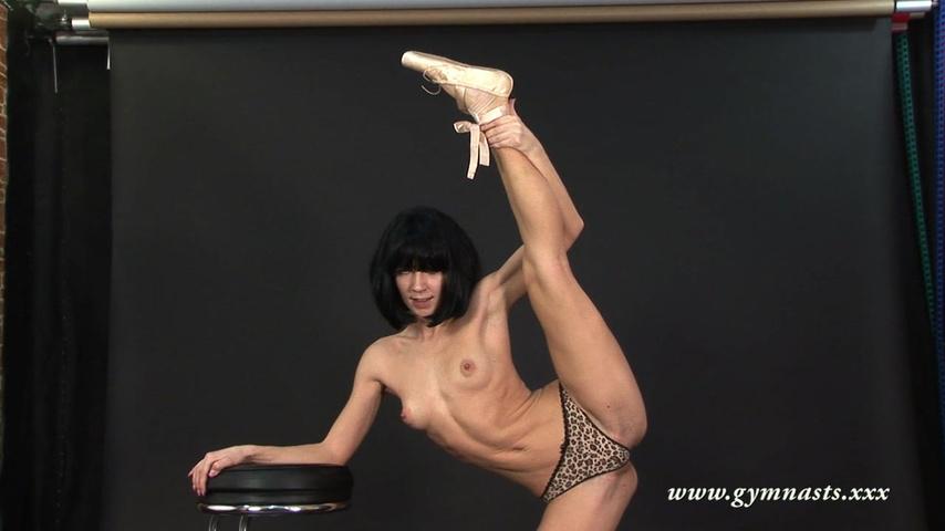 eroticheskaya-zhenskaya-gimnastika-video