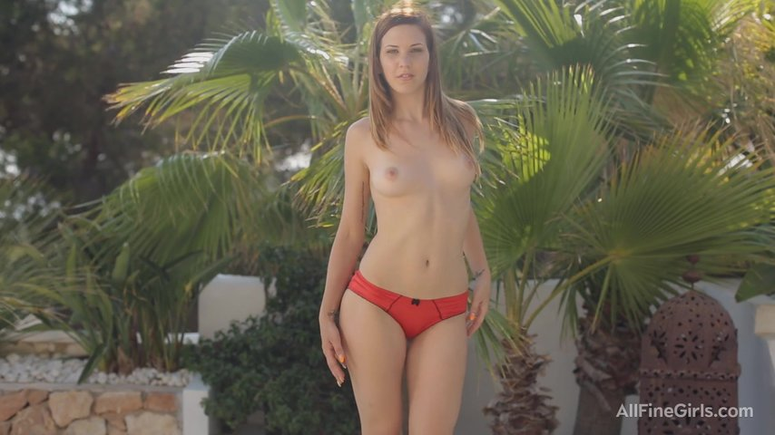 nagishom-foto-erotichno-russkoe-video-krasivoe-telo